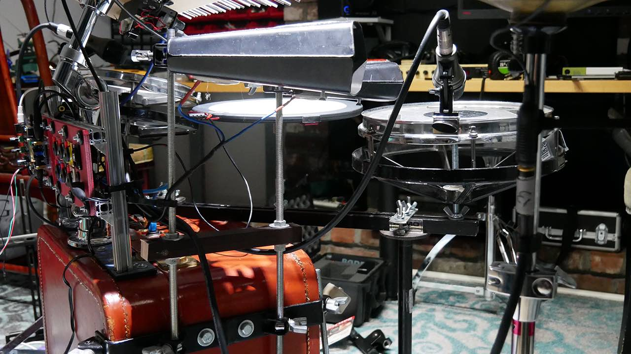 DIY drumset from vintage suitcase and live-looping project