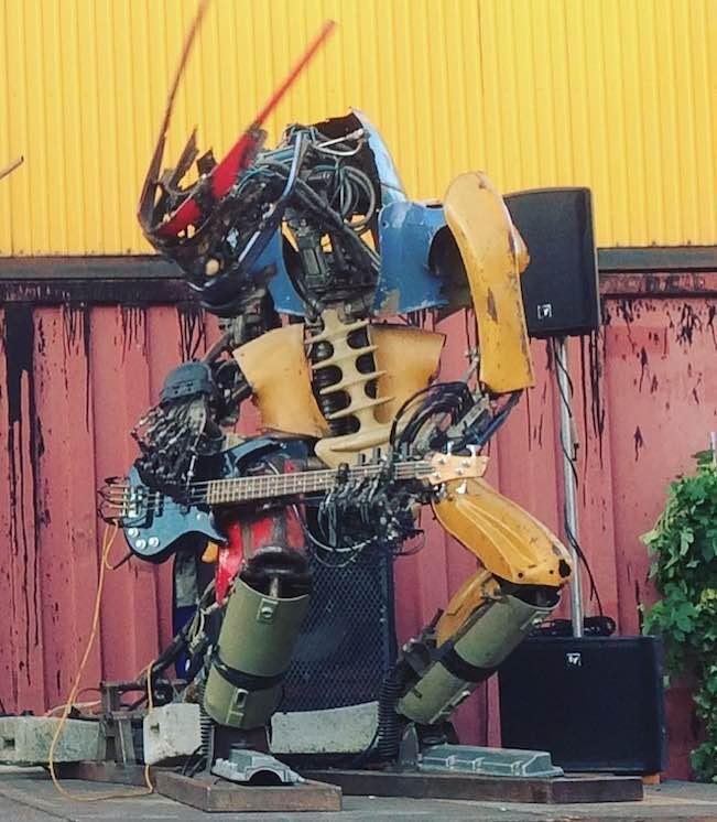 Robot Sculpture Scrapmetal Music Band