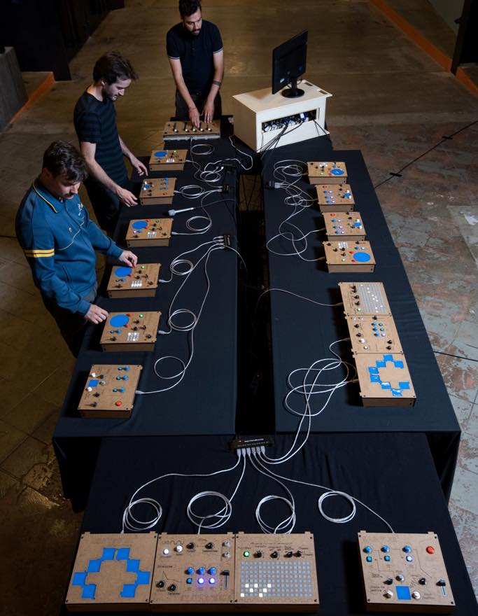 Collaborative electronic instruments for school class