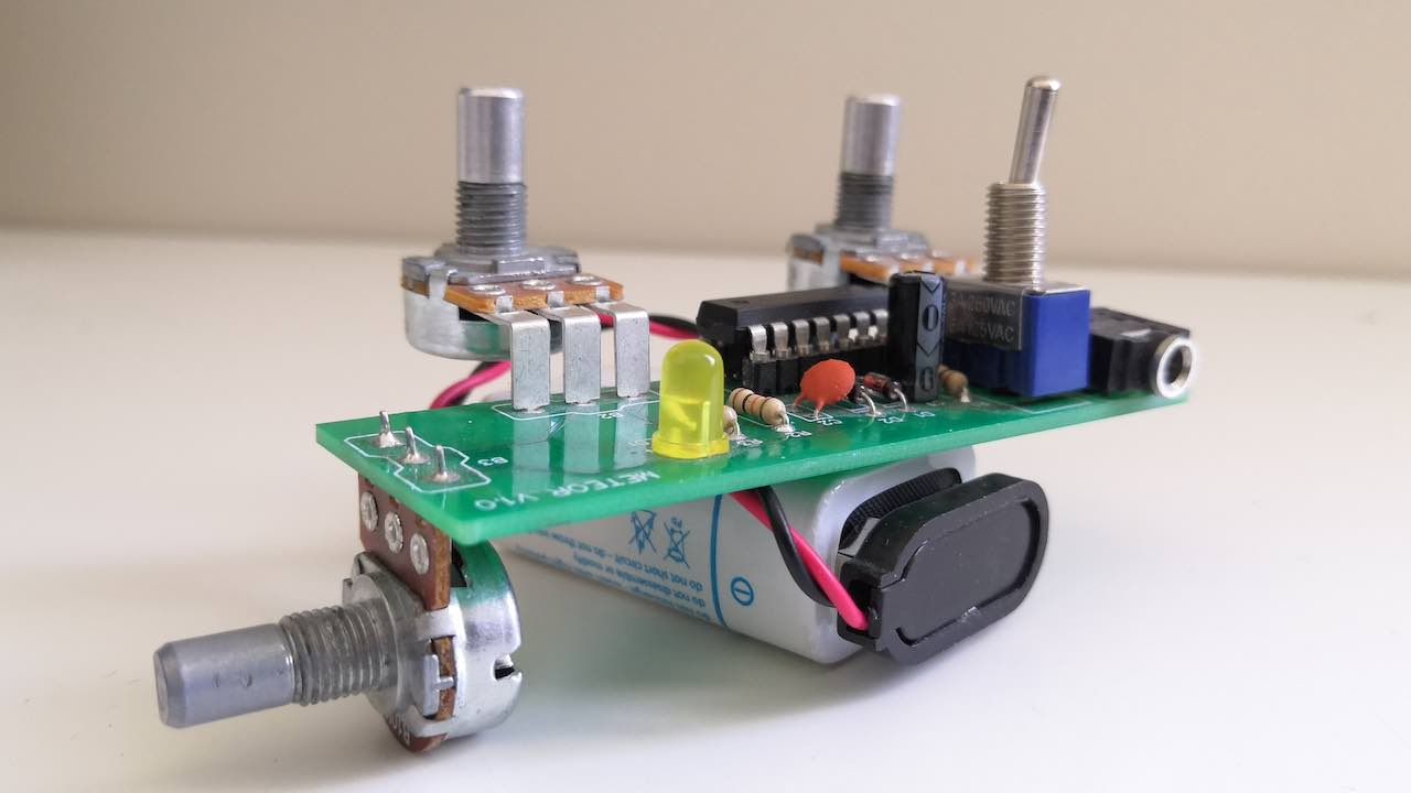 DIY CMOS synth in a kit