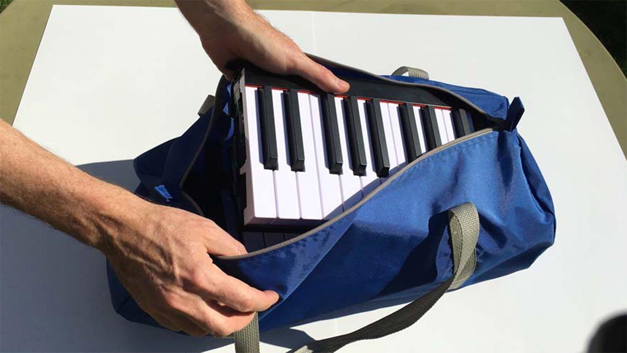 The portable piano keyboard